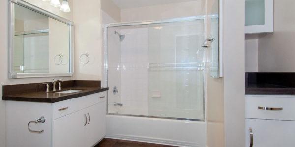 788-Soma-Bathroom-White
